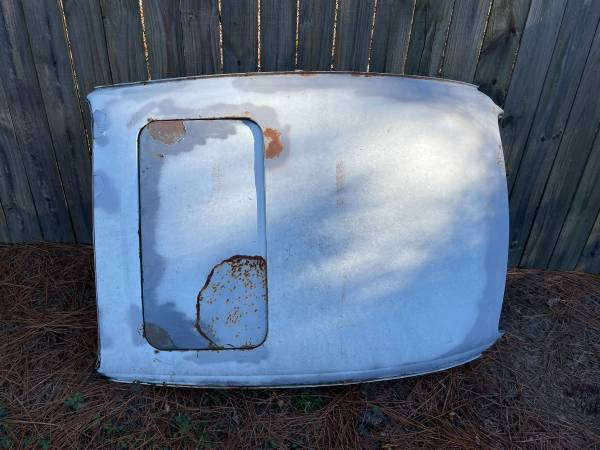 Photo VW Super Beetle Sunroof Clip - $250 (North Augusta)
