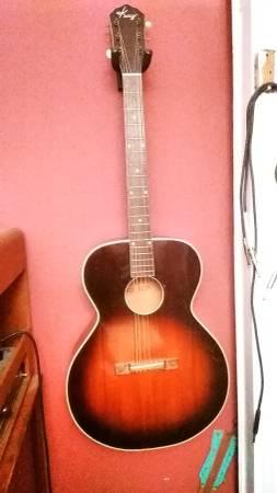 Photo Vintage 1940s 1950s Kay K20 6120 Acoustic Guitar - $140 (Downtown Greenville, SC)