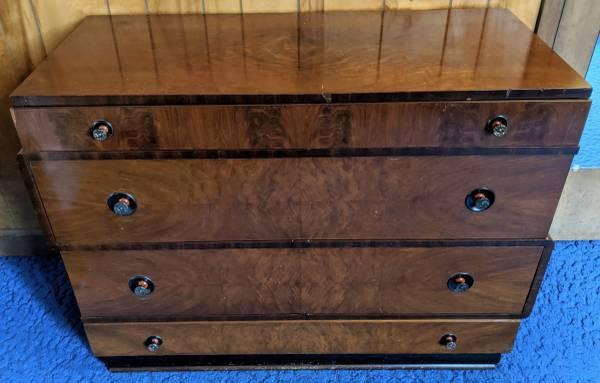 Photo Vintage Art Deco Bedroom Furniture - Solid Wood - 4pcs - $100 (Modoc Shores)