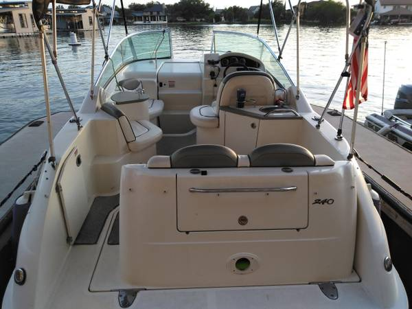 Photo 06 SeaRay 240 cabin cruser - $34,500 (Horseshoe Bay)