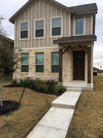 Photo 15 minutes from the Domain in a brand new house (Northfields in Round Rock, TX)