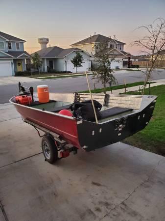 Photo 1980 14 ft aluminum boat and 15 hp mercury - $1400 (Austin)
