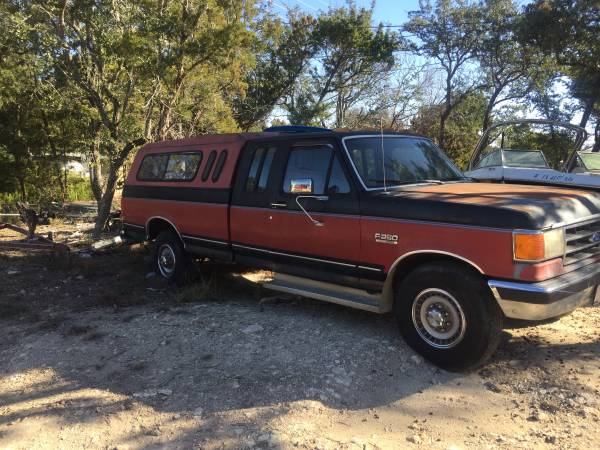 Photo 1989 Ford F250 XLT Lariat extended cab with Canopy lid on bed - $2399