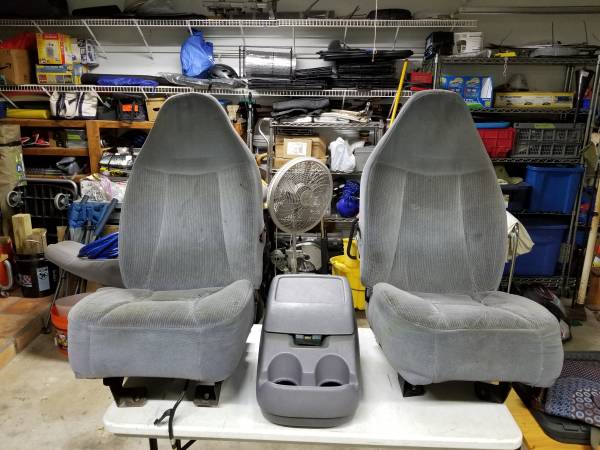 Photo 1992-1996 Ford f150 bucket seats and center console - $180 (ROUND ROCK)