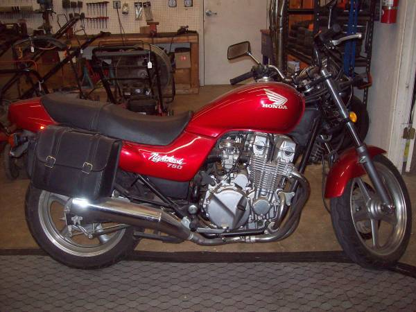 Photo 1992 Honda CB 750 Nighthawk - $3,500 (Round Rock)