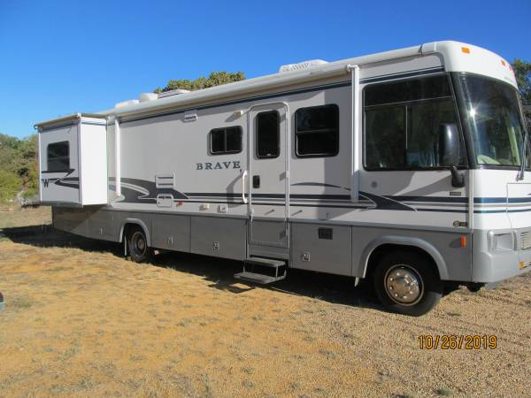 Photo 2004 Winnebago Brave Class A - $19,500 (Granite Shoals)