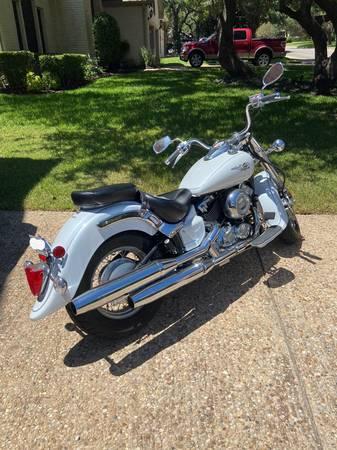 Photo 2009 Yamaha V-Star 650 1K Miles - $4,450 (Northwest Austin Spicewood- McNeil183)