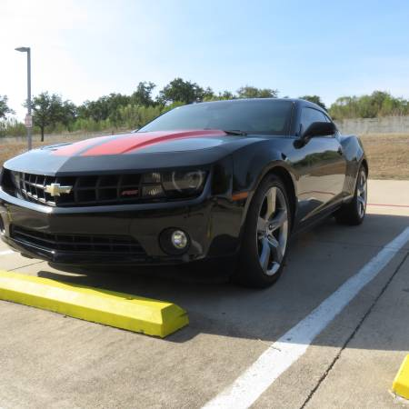 Photo 2011 CHEVROLET CAMARO RS-85K MILES- 6 SPEED AUTOMATIC-POWER MOONROOF - $9950