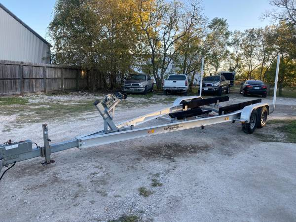Photo 2013 Road Ready Like New Magic 26 Foot Aluminum Tandem Boat Trailer - $3,500 (Alvin)