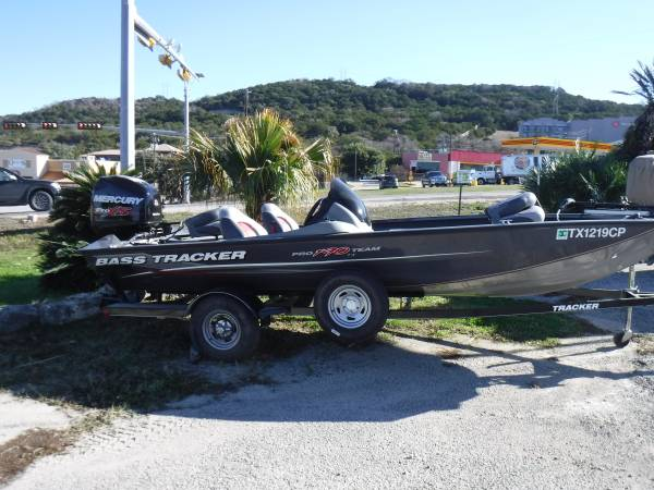 Photo 2014 Bass Tracker Pro Team 190 TX - $17000 (Lago Vista)