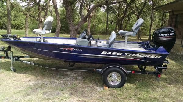 Photo 2015 Bass Tracker Pro Team 175 TF - $15,800 (Georgetown)