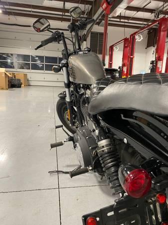 Photo 2016 Harley Davidson 48 Sportster - $8,500 (Austin)