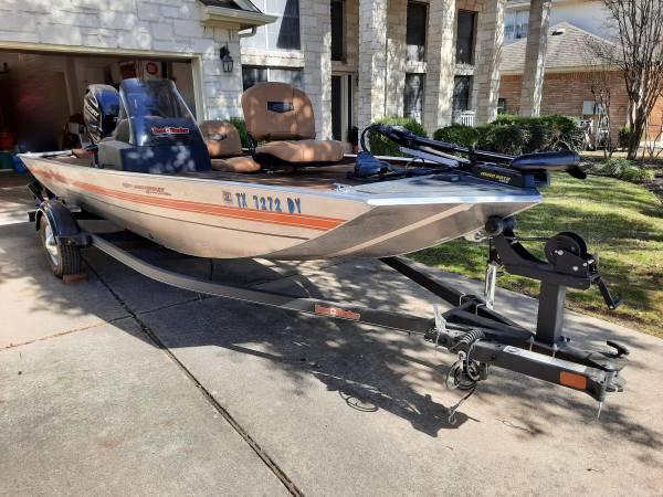 Photo 2018 Bass Tracker 1639 8quot Aluminum Bass Boat - $10,500 (Cedar Park, Texas)