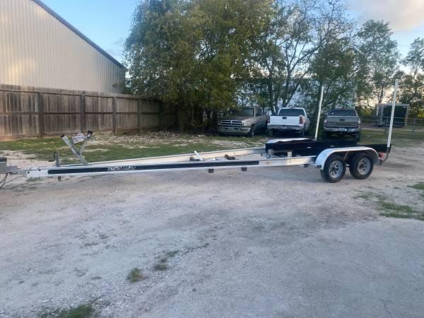 Photo 24-26 Foot Aluminum Tandem Axle Trailer Zero Rust - $2,750 (Alvin)