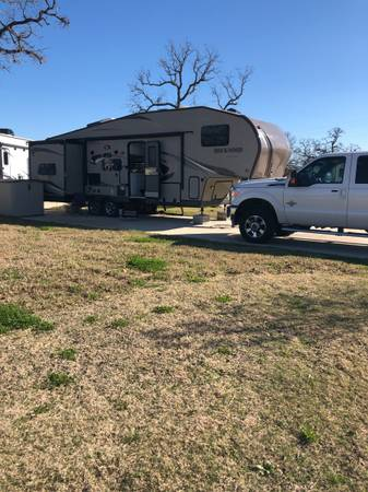Photo 5th Wheel Bunkhouse Forest River Rockwood Signature Ultra Lite - $19,500 (Austin, TX)
