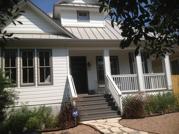 Photo Adorable furnished 22 in Bouldin for short term rent (Austin, TX)