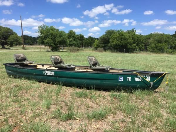 Photo Bayou 160 flat backed canoe, trailer, riptide 80lb minn kota with tons of extras - $1400 (San Marcos)