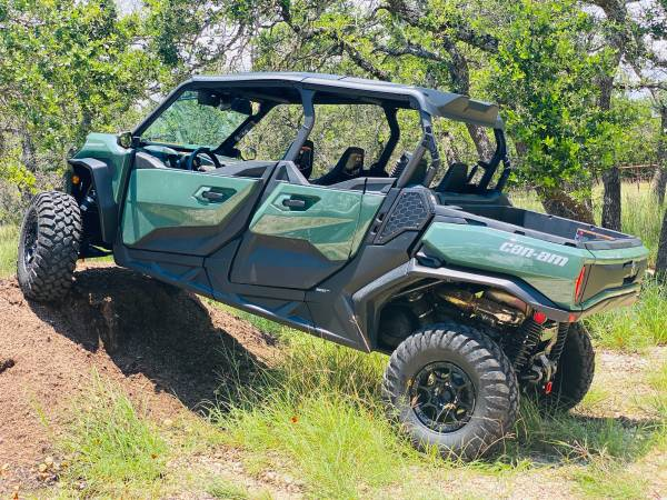 Photo Brand New, Upgraded 2021 CanAm Commander Street Legal $37k OBO - $37,000 (Georgetown)