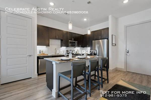 Photo Brand new homes waiting for you (South ATX)