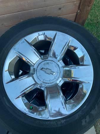Photo Chevy Silverado 1500 LTZ set of 4 OEM Chrome Rims  Goodyear Tires - $800 (Austin)