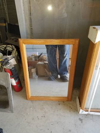 Photo Cleaning out storage room sinks, doors, globes, etc - $50 (N. Austin)