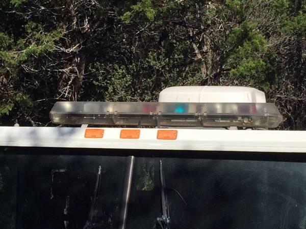 Photo Code 3 MX7000 RedBlue Light Bar - $300 (Austin)