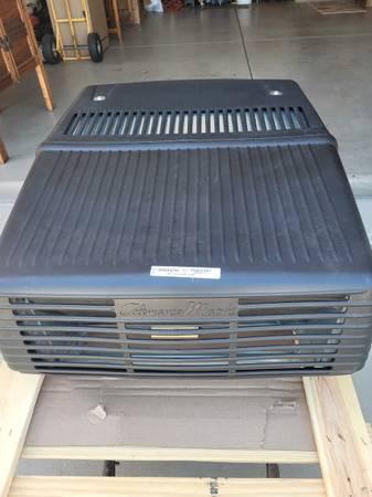 Photo Coleman Mach 10 RV Air Conditioner - $800 (Georgetown)