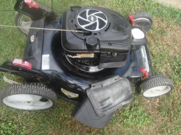 Photo Craftsman mower 7.25 HP 22 ich - $130 (West Lake Hills)