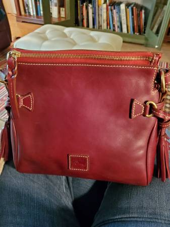 Photo Dooney and Bourke Crossbody Purse (Kyle, Tx)