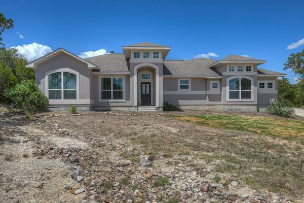 Photo Exclusive Four Beds Two Bath Home On 2.3 Acres. (Canyon Lake)