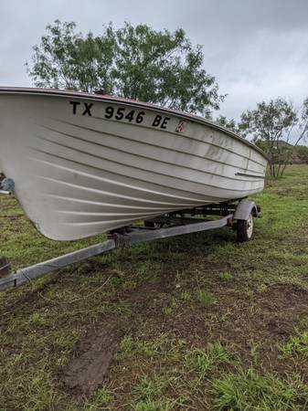 Photo FISHING BOAT TRAILER FOR SALE - $500 (SE TRAVIS COUNTY LINE)