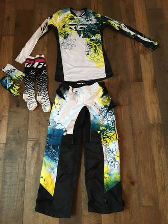 Fly racing and Fox Motocross clothing (womens) - $30 (Briarcliff)