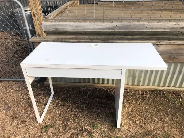 Photo Free white ikea desk