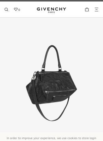Photo Givenchy Pandora Large - $475 (NW)