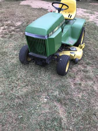 Photo John Deere 318 Garden Tractor - $1,500 (Burnet)