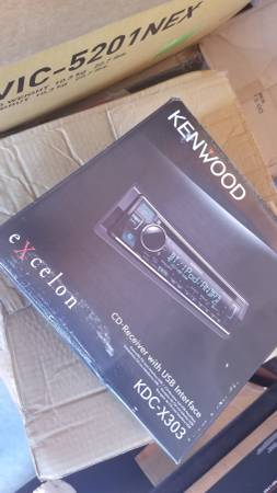 Photo Kenwood KDC-X303 - $80 (AUSTIN)