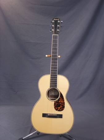 Photo Larrivee Custom Parlor guitar - $1249 (north central austin)
