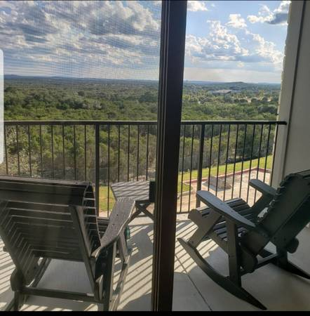 Photo Lease take over Dripping Springs hill top view (Dripping Springs)