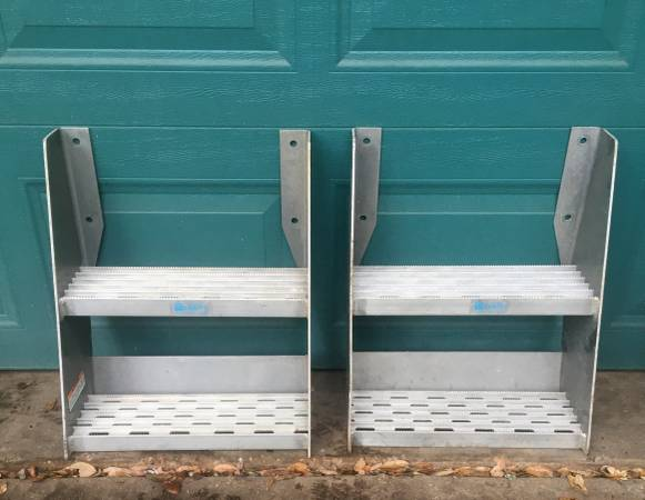 Photo MERRITT Heavy Duty Truck Frame Steps Aluminum 18 wide  Gently Used - $95 (central austin)