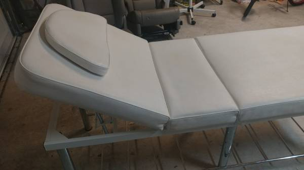 Photo Massage Table Bed - $250 (Dripping Springs)