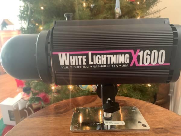 Photo Paul C. Buff White Lightning X1600 - $200 (NW Austin)