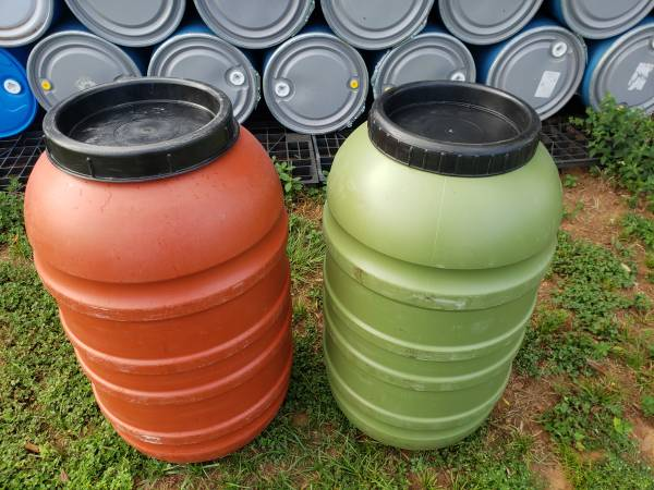 Photo Plastic 58 Gallon Food Grade Barrels With Removable Lids - $45 (South AustinDale)