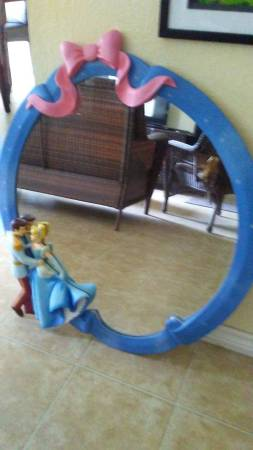 Photo Rare Vintage Disney Prince Charming and Cinderella Wall Mirror - $75 (South Austin)