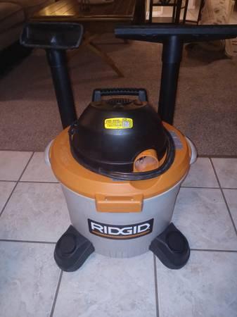 Photo Ridged 9 gallon 3.5hp wet  dry shop vac - $30 (Cedar park)