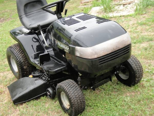 Photo Riding Lawn Mower 46quot Auto 20HP Murray Select - $860 (Cedar Park)