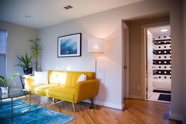Photo Roommate needed for modern East Side home (East Side Austin (East Austin)