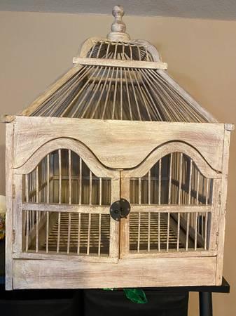 Photo SHABBY CHIC BIRD CAGE - $25 (NORTH WEST AUSTIN)