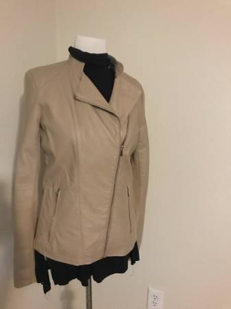 Photo Size M - $50 (Elgin)