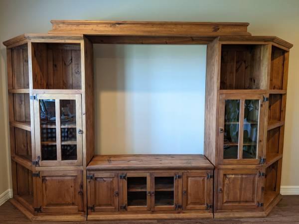 Photo Solid Wood 4-Piece Wall Unit - $550 (Austin, TX)