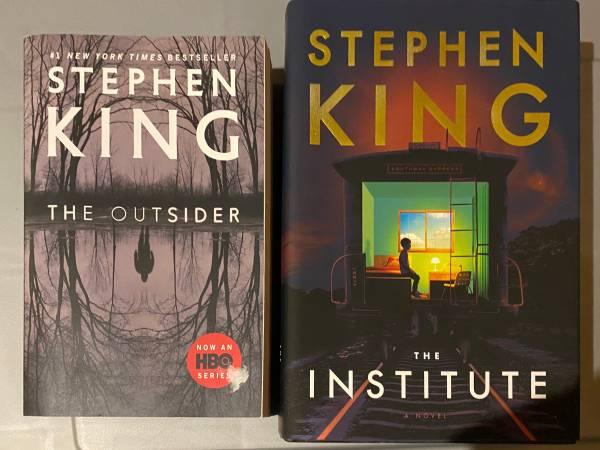 Photo Stephen King novels - $20 (Red Rock)